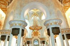 Interior de jeque Zayed Grand Mosque Imagenes de archivo