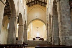Interior de la abadía de San Giovanni en Venere en Fossacesia (Chieti - Italia Imágenes de archivo libres de regalías