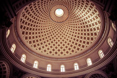 Interior de la bóveda de Mosta Foto de archivo