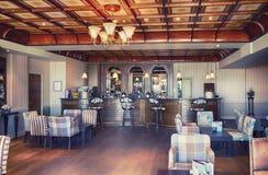 Interior de la barra en hotel inglés Fotografía de archivo
