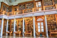 Interior de la biblioteca de Pannonhalma en Hungría Foto de archivo libre de regalías
