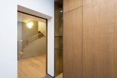 Interior de la casa moderna Imagenes de archivo