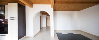 Interior de la casa moderna, nadie dentro imágenes de archivo libres de regalías
