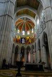 Interior de la catedral de Almudena Imagenes de archivo