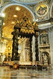 Interior de la catedral de San Pedro Fotografía de archivo libre de regalías