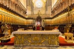Interior de la catedral de Sevilla Fotos de archivo libres de regalías