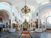 Interior de la catedral del Espíritu Santo de Minsk imagen de archivo