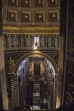 Interior de la catedral metropolitana de Santa Maria Assunta Toscana Italia fotografía de archivo
