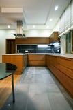 Interior de la cocina moderna Imagenes de archivo