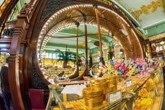 Interior de la comida Pasillo del ` s de Yeliseev Constr del colmado de Yeliseyev Imagen de archivo