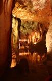 Interior de la cueva - lago Fotos de archivo