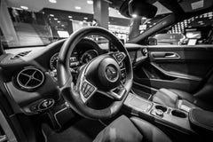 Interior de la edición ejecutiva del pico del CLA 220d de la CLA-clase de Mercedes-Benz del coche del subcompact imágenes de archivo libres de regalías
