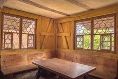 Interior de la esquina de cena rústico Imagenes de archivo