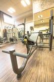 Interior de la gimnasia moderna Imagen de archivo libre de regalías