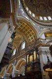 Interior de la iglesia de San Pablo en Londres Fotografía de archivo libre de regalías