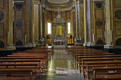 Interior de la iglesia en Pratola Peligna Imágenes de archivo libres de regalías