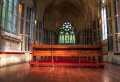 Interior de la iglesia gótica nea Foto de archivo