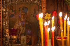 Interior de la iglesia ortodoxa rusa. Imagen de archivo