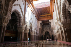 Interior de la mezquita de Hassan II Foto de archivo