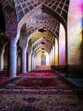 Interior de la mezquita de Molk del ol de Nasir, Shiraz, Irán Foto de archivo libre de regalías