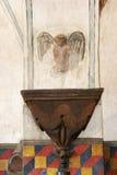 Interior de la misión española histórica Foto de archivo