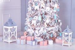 Interior de la Navidad Decoración del Año Nuevo fotos de archivo