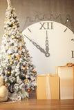 Interior de la Navidad o del Año Nuevo con un abeto Imagen de archivo