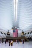 Interior de la nueva estación de la TRAYECTORIA del World Trade Center de Oculus fotos de archivo libres de regalías