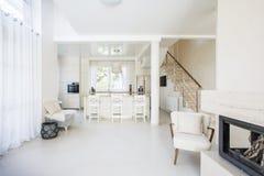 Interior de la sala de estar cómoda Fotos de archivo