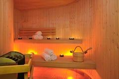 Interior de la sauna finlandesa Fotos de archivo