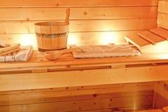 Interior de la sauna y de los accesorios de la sauna Imagen de archivo libre de regalías