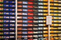 Interior de la tienda del chocolaterie de Cailler Fotos de archivo libres de regalías
