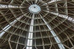 Interior de las torres gemelas de Petronas en Malasia foto de archivo libre de regalías