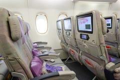 Interior de los aviones de Airbus A380 de los emiratos Imagenes de archivo