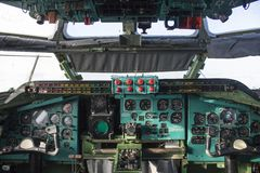 Interior de los aviones, museo de la aviación de las ventanas Foto de archivo