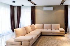 Interior de lujo de la sala de estar Fotos de archivo libres de regalías