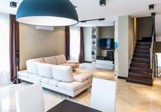 Interior de lujo de la sala de estar Fotografía de archivo libre de regalías