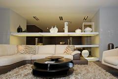 Interior de lujo de la sala de estar Imágenes de archivo libres de regalías