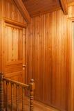 Interior de madera de la casa Imágenes de archivo libres de regalías