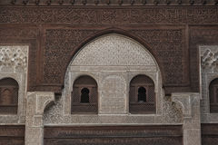 Interior de Madrasa Bou Inania em Meknes, Marrocos Fotos de Stock