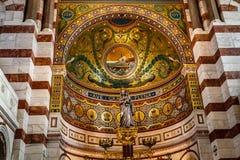 Interior de oro de la catedral de Garde del la de Notre-Dame de Fotografía de archivo