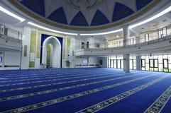 Interior de Puncak Alam Mosque en Selangor, Malasia Fotos de archivo