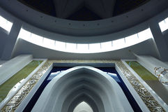 Interior de Puncak Alam Mosque en Selangor, Malasia Imagen de archivo