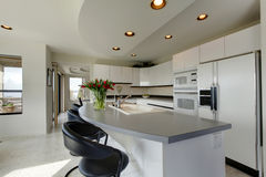 Interior de refrescamento moderno da cozinha Foto de Stock
