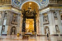 Interior de Saint Peter Basilica no Vaticano, Itália Fotografia de Stock