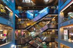 Interior de Siam Center, ciudad de Bangkok, Tailandia Imagenes de archivo