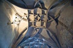 Interior de St. Vitus Cathedral en Praga Imágenes de archivo libres de regalías