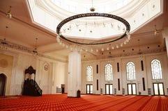 Interior de Tengku Ampuan Jemaah Mosque en Selangor, Malasia Fotos de archivo