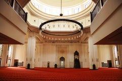 Interior de Tengku Ampuan Jemaah Mosque en Selangor, Malasia Imágenes de archivo libres de regalías