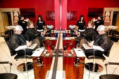Interior de um cabeleireiro de luxo Barber Salon fotos de stock